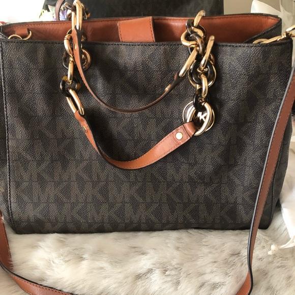1921bd10a45d35 Michael Kors Cynthia Satchel Bag Flash Sale. M_5c7455db03087c7000f5a3e0